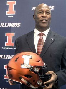 635932279642060934-ap-illinois-lovie-smith-80314402