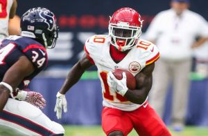 9557088-tyreek-hill-nfl-kansas-city-chiefs-houston-texans-850x560
